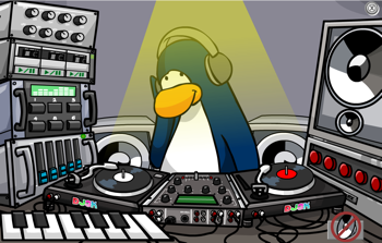 Playing DJ3K in Club Penguin