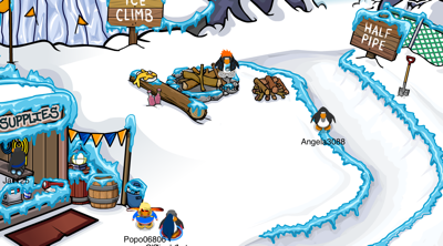 Club Penguin Great Snow Race - Supply Camp